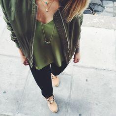 #details #outfit #latergram  Rdv sur www.carolinereceveurandco.com pour découvrir mes nouvelles pièces coup de  de la semaine --> •Rubrique Shop My Style•