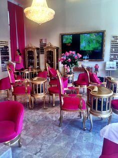 Have to go here at least once!! Pink Nail Salon HEAVEN! ❤