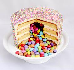 Ingrédients: Gâteau au yaourt (mutiplié par 2): – 3 œufs – 1 yaourt nature – 2 pots de farine – 1,5 pot de sucre – 0,5 pot d'huile – ½ sachet de levure chimiqu…