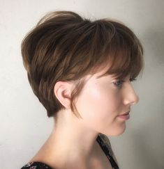 Best short hairstyles for over 50 fine hair in 2020 mustn`t be boring and all alike! … Fine hair looks cuter when cut short and layered, Women over 50 in 2020 Short Straight Hair, Short Hair With Bangs, Short Hair Cuts, Short Hair Styles, Short Pixie, Pixie Haircut Thin Hair, Short Wedge Haircut, Edgy Pixie Cuts, Long Pixie Cuts