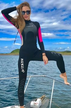 We Have The Biggest Selection Of Wetsuits With High Quality. Traje David Beckham, David Beckham Suit, Women's Diving, Diving Suit, Cave Diving, Suits For Sale, Suits For Women, Scuba Wetsuit, Scuba Girl