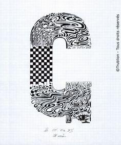Trublion's Work : Grande lettre majuscule G, Lettrine dessinée à la plume en encre de chine. Alphabet. réalisation au trait sur feuille d'écolier format A4 dessin