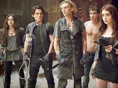 Which Cassandra Clare's ' Mortal Instruments' series character are you? Im Simon lois!: