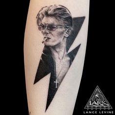 #Tattoo #LanceLevine #LarkTattoo #BlackAndGrayTattoo ##BlackAndGreyTattoo #DavidBowie #DavidBowieTattoo #Bowie #BowieTattoo #ZiggyStardust #ZiggyStardustTattoo #DavidBowiePortrait #DavidBowiePortraitTattoo #Portrait #PortraitTattoo #70sMusicTattoo #Starman #DavidBowieFan #DavidBowieFanTattoo #DavidBowieTribute #DavidBowieTributeTattoo #DavidBowieArt #DavidBowieFanPage #DavidBowieFans #TheThinWhiteDuke #TheThinWhiteDukeTattoo #ThinWhiteDuke #ThinWhiteDukeTattoo #DavidBowieIsGod… David Bowie Tattoo, David Bowie Art, Lark Tattoo, David Bowie Tribute, The Thin White Duke, Ziggy Stardust, Black And Grey Tattoos, Tattoo Artists, Piercings