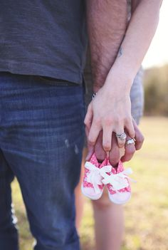 Maternity pregnancy announcement photography- it's a girl!