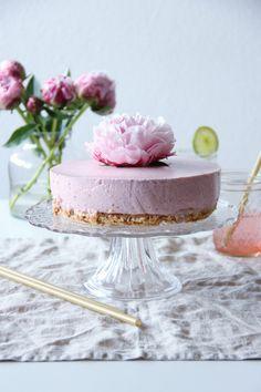 Erdbeercheesecake (ohne Backen) & Erdbeerlimo