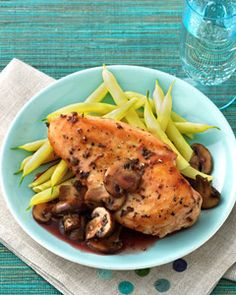 Chicken with Cremini Mushroom – Port Sauce Ingredients 4 (5-ounce) skinless boneless chicken breast halves  1⁄2 teaspoon salt 1⁄4 teaspoon black pepper 2 teaspoons olive oil 1 (10-ounce) package sliced cremini mushrooms 1⁄3 cup ruby port wine 1⁄3 cup reduced-sodium chicken broth 2 teaspoons all-purpose flour 2 garlic cloves, minced 1⁄2 teaspoon dried thyme