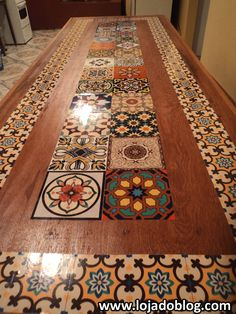 Mesa customizada com adesivos azulejos click the image or link for more info. Tile Art, Tiles, Furniture Makeover, Diy Furniture, Design Marocain, Tile Tables, Floor Design, Wooden Shelves, Kitchen Flooring
