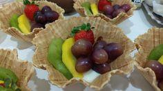 Cestinha com ganache de chocolate e frutas