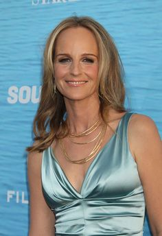 Helen Hunt's Loose Tresses - Medium-Length Hairstyles for Women Over 50 - Photos