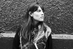 Charlotte Cardin Cardiff, Motion Graphics, Bangs, Charlotte, Portraits, Wallpaper, Celebrities, Hair, Poster