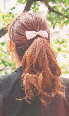 #Curly #Ponytail w/Bow