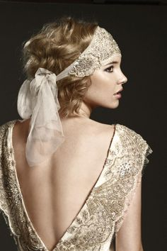 love this head piece for all the great gatsby themed parties I have this year!