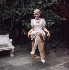 Connie Stevens in super fabulous outfit. want those boots! Joely Fisher, James Stacy, Connie Stevens, Movie Market, Eddie Fisher, The Muppet Show, Women Names, Family Affair, Lady And Gentlemen