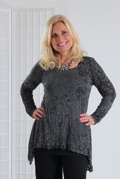 Chalet Crinkle Gracy Top, Black Burnout