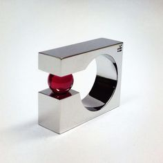 Ik joyeros ring. ruby sphere, inox