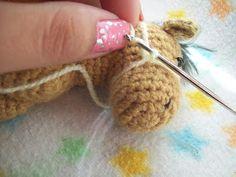 Tejidos Thina: PATRÓN CABALLITO AMIGURUMI Margarita, Crochet Necklace, Lily, Diy And Crafts, Crochet Baby Shoes, Crochet Edgings, Needlepoint, Bebe, Crochet Collar