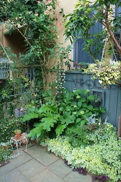 Small Cottage Garden Ideas, Garden Tiles, Gothic Garden, Garden Cafe, Side Garden, Small Space Gardening, Garden Photos, Backyard Projects, Garden Inspiration