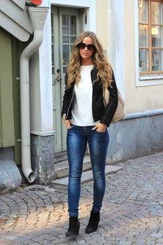 Jaqueta preta + camiseta branca + jeans + botinha