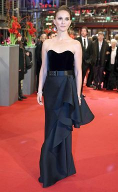 . Berlin (Germany), 08/02/2015.- US actress Natalie Portman arrives to the premiere of 'Knight of Cups' at the 65th International Film Festival in Berlin, Germany, 08 February 2015. The movie is presented in the Official Competition at the Berlinale, which runs from 05 to 15 February. (Cine, Alemania) EFE/EPA/KAY NIETFELD