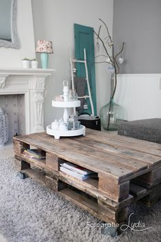 Pallet Coffee Table – a pallet, cut in half and stacked, is coated with wood sta… - Pallet Furniture Ideas Decor, Home Living Room, Interior, Home Decor, House Interior, Home Deco, Pallet Furniture, Coffee Table, Home And Living