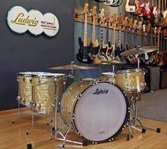 Drums Pictures, Drums Sheet, Ludwig Drums, Vintage Drums, Snare Drum, Drum Kits, Historian, Acoustic, Music Instruments