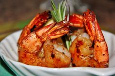 Jumbo shrimp are a great appetizer to serve before any meal. Marinated in garlic, ginger, bourbon and maple syrup, these shrimp have a nice carmelized texture and tastedelicious! Ingredients 6 j…