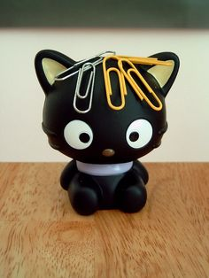 Cute products or gadgets Adorable and practical products Chococat magnet paper clip holder, via Flickr.