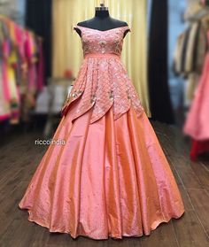 Rose gold cocktail gown with structured flaps – Ricco India Indian Wedding Gowns, Indian Gowns Dresses, Indian Fashion Dresses, Indian Designer Outfits, Designer Dresses, Designer Wear, Indian Outfits, Wedding Dresses, Long Dress Design