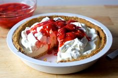 strawberry cheesecake ice cream pie – smitten kitchen This is basically every summer dessert worth eating in one place. Strawberry Cream Pies, Ice Cream Pies, Strawberries And Cream, Strawberry Sauce, Frozen Desserts, Summer Desserts, Just Desserts, Delicious Desserts, Cheesecake Ice Cream