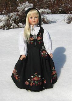 Bilderesultat for bunad til dukker Doll Clothes Patterns, Doll Patterns, Clothing Patterns, Norway, American Girl, Ethnic, Costumes, Cute, Baby Outfits