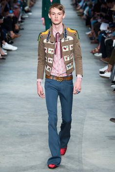On the heels of his cruise 2016 show in New York City, new Gucci creative director Alessandro Michele unveiled his spring-summer 2016 menswear collection during Milan Fashion Week. The outing continued a penchant for the dandy with androgynous fashions paying tribute to the colorful style and shape of the 1970s. Michele's boyish range captured a …