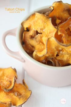 Swüßkartoffelchips.... so einfach das man es nicht mal ein Rezept nennen kann ;-)