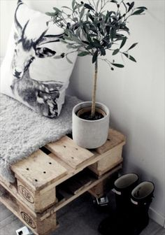 two crates stacked with thick blanket for seating The Best of home decoration in - Interior Design Fans Diy Interior, Scandinavian Interior, Interior Decorating, Interior Design, Room Inspiration, Interior Inspiration, Home And Deco, New Room, Decoration
