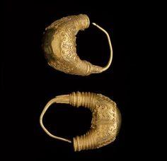 Bootvormige hangers, laat 3e /vroeg4e eeuw v Chr.Middellandse zee gebied, filigrainwerk in goud