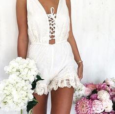 I want😍 and need to hav Style Hippie Chic, Gypsy Style, Boho Chic, Boho Girl, Girly Girl, Lace Playsuit, Hippie Lifestyle, Sabo Skirt, Spring Summer Fashion