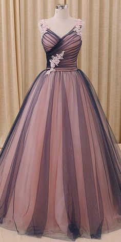 NEW! Amazing Tulle V-neck Neckline Ball Gown Evening Dress With Beaded Lace Appliques