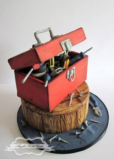 Tool Box over a log tree stump cake - Angela Penta Cakes - cakes for men - grooms cake Unique Cakes, Creative Cakes, Fondant Cakes, Cupcake Cakes, Tool Box Cake, Cupcakes Decorados, Birthday Cakes For Men, Cake Birthday, Retirement Cakes