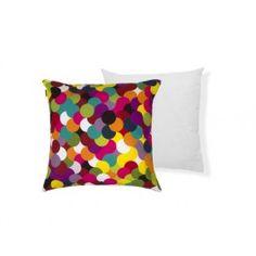 A Almofada Baluarte 45x45 Confetes possui cores vibrantes que resultam numa estampa extremamente alegre.