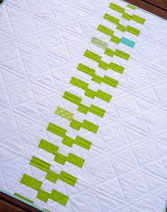 "#done  Amazing zippered quilt back -- such a ""simple"" layout but it is more bold and interesting than many quilt TOPS.  Source:  Red Pepper Quilts???  THANK YOU FOR SHARING!!"