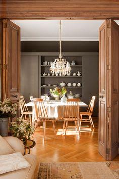Comedor con mueble vajillero en negro_00397806