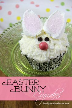 Easter Bunny Cupcakes - Adorable and easy to make cupcakes that are perfect for Spring, Easter or any bunny lover i your life.