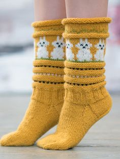 Cotton Animal Print Women Accessories is fashionable and cheap, come to Hawalili to find out about the Clothing Wool Socks, Knitting Socks, Hand Knitting, Knitted Hats, Animal Print Socks, Drops Design, Hand Warmers, Knit Crochet, Knitting Patterns