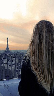 The hair is beautiful...and the background is even more beautiful. I want to go to Paris so bad.