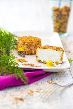 ziegenkäse in blütenhülle von kaesemacher.at / goat cheese in dried flower petals made by artisan cheese company kaesemacher.at ... photo sandratauscher.com
