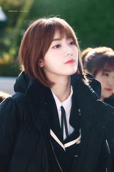 181114 KBS radio - moon hee jun's music show Kpop Girl Groups, Kpop Girls, Sakura Miyawaki, Yu Jin, Japanese Girl Group, Soyeon, Interesting Faces, Sexy Asian Girls, K Idols