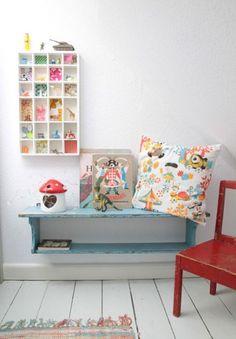 Love the cubbies w/ patterns in the backgrounds.  letterbak ♥ Eijerkamp