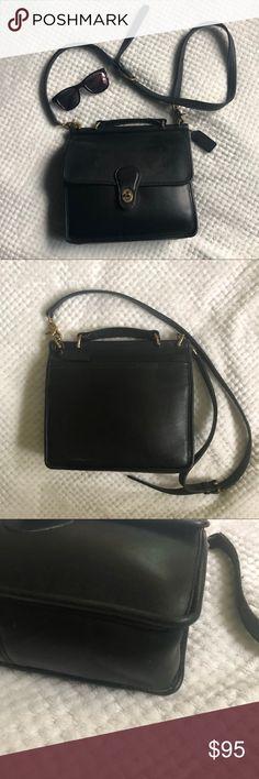 5df795dd6965 COACH Vintage Willis Crossbody Bag Black Beautiful classic black leather  Willis bag. Brass hardware is