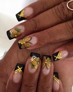 Unhas de ano novo fáceis, veja Black Gold Nails, Gold Nail Art, New Nail Art, Cute Acrylic Nails, Glitter Nail Art, Gold Nail Designs, Colorful Nail Designs, Cute Nail Designs, Elegant Nails