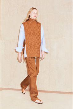 Sfilata Victoria, Victoria Beckham New York - Pre-collezioni Primavera Estate 2018 - Vogue